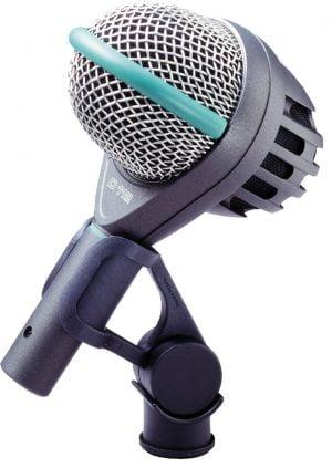 AKG D112 bass mic