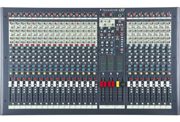 Soundcraft LX7ii - 24 Channel